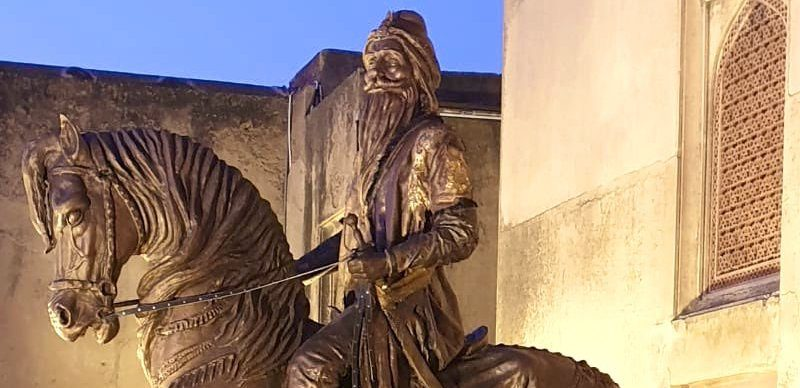Sikh Ruler's Statue Vandalised Again in Lahore