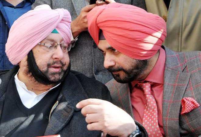 Harish Rawat briefs Rahul Gandhi on Punjab; to visit Chandigarh next week